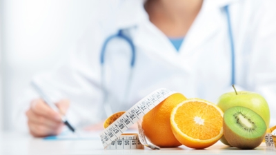 A distinction is being made between dieticians and nutritionists.